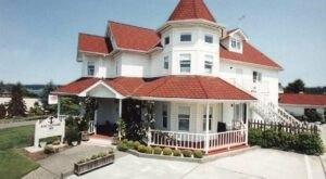 Enjoy A Night At This Charming Victorian Inn Nestled On A Washington Island