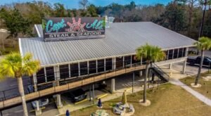 Your Eyes Won't Believe The Over-The-Top Creations Served At Captain Al's In Mississippi