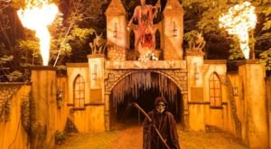 Take A Haunted Hayride In Pennsylvania For A Spectacularly Spooky Night