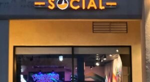 Celebrate The 1980's At The Fountain City Social, An 80's-Themed Bar In East Tennessee