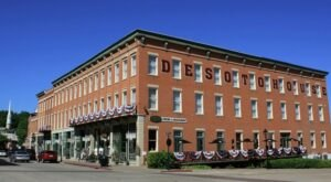 The Oldest Hotel In Illinois Is Also One Of The Most Haunted Places You'll Ever Sleep