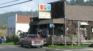 The Sandwiches From This Roadside Community Store In Northern California Are Definitely Worth A Stop