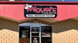 This Tiny Mexican Restaurant In Arkansas Serves More Than A Dozen Types Of Tacos