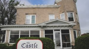 Spend The Night In Iowa's Majestic Castle For An Unforgettable Experience