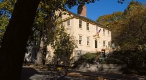 Take A Spooky Trip To These 7 Spots In Rhode Island That H.P Lovecraft Wrote About