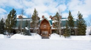 This Classic Western Guest Ranch In Montana Is Open For Year-Round Lodging and Fun