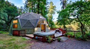 Sleep In A Redwood Dome At This Super Rare Overnight Destination In The Northern California Forest