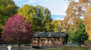 Fall Is The Perfect Time To Visit This Historic Mountain Town In Mississippi