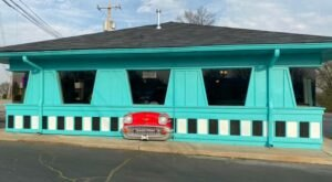 Revisit The Glory Days At This 50s-Themed Restaurant In Arkansas