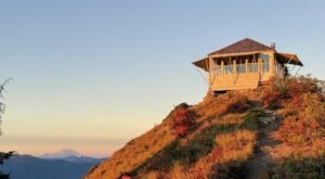 This Stunning Washington Cabin Is Also A Fire Lookout Tower For Taking In The Gorgeous Views