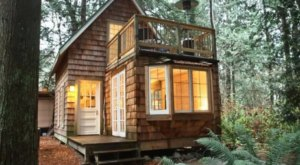 A Stay At This Cozy Washington Cottage Requires Crossing The Canadian Border