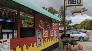 These 7 Roadside Restaurants Around Detroit Are Worth Stopping For