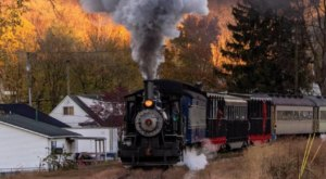 Take A Scenic Fall Foliage Train Ride Through Ohio's Hocking Valley For Just $18