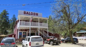The Tiny Mountain Town In Arizona That's The Perfect Day Trip Destination