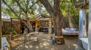 Stay Overnight At This Spectacularly Unconventional Treehouse In Southern California