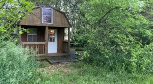 An Overnight Stay At This Secluded Cabin In Kansas Costs Less Than $100 A Night And Will Take You Back In Time