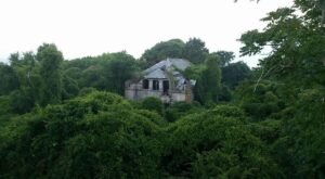 This Abandoned Mansion In Rhode Island Is Packed With History