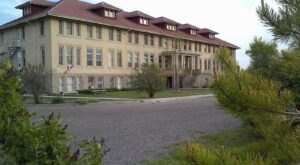 The Historic Gooding University Inn In Idaho Is Notoriously Haunted And We Dare You To Spend The Night