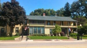 There's A Palace-Like Home From 1848 Hiding In Small Town Iowa That You Can Still Visit