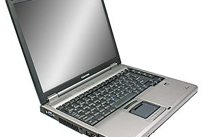 Removing the CD-ROM Drive From an HP 6910P Laptop