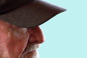 Cómo hacer que una barba blanca se vuelva aún más blanca