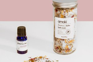 7 Essential Oils To Start Diffusing Today