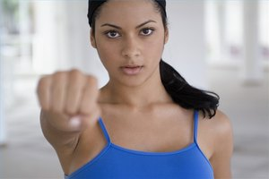 How to Use Hairspray for Self Defense
