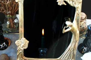How to Make a Scrying Mirror