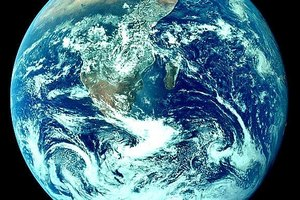 How to Help Save Our Earth (10 tips to saving the planet)