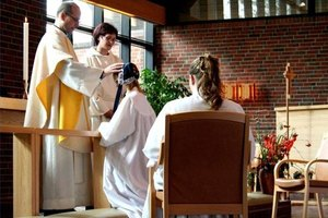 How Does a Confirmation Ceremony Go?