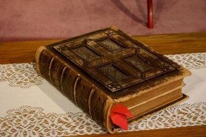 What Are the Five Divisions of the Old Testament?