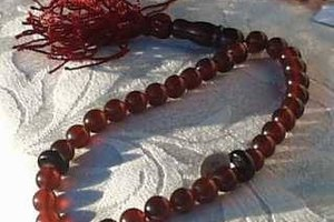 How to Use Tibetan Prayer Beads