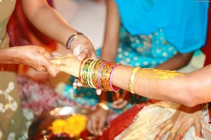 Why Do Indian Women Wear Bangles?