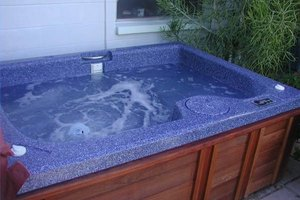 Organic Alternatives to Chemicals for Hot Tubs