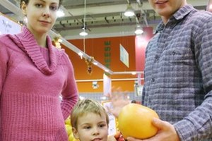 Affording healthy food is difficult for many people living in poverty.