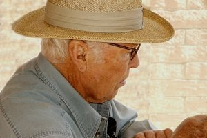 Senior Citizen Requirements for Filing Federal Income Taxes