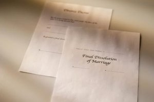 Papers need to be served before obtaining a divorce by default.