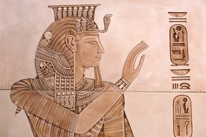 How to Make Ancient Egyptian Headdresses