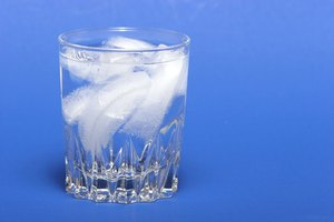 How to Keep Ice Cubes From Sticking