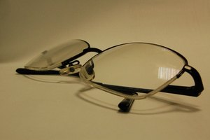 How to Use Sanitizer on Eyeglasses
