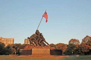 How to Make a U.S. Marine's Bunk
