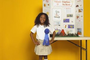 How to Set Up a Science Fair Tri-Fold Presentation