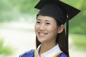 The Difference Between a Graduate Degree & a Bachelor's Degree
