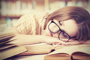 How to Stop Falling Asleep While Reading