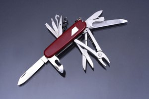How to Tell If a Swiss Army Knife Is Real