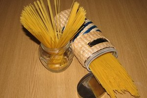 How to Lubricate a Pasta Maker
