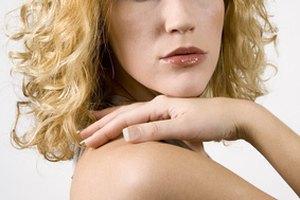 Cómo devolverle la salud a tu cabello después de decolorarlo