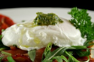 How to Reheat Poached Eggs