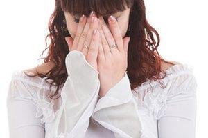 Cómo desinflamar los párpados después de llorar