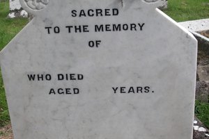 How to Design Your Headstone Online